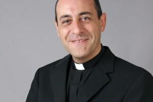 El Papa nombró arzobispo al rector de la UCA, Pbro. Víctor Manuel Fernández