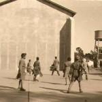 Jóvenes seminaristas jugando al fronton